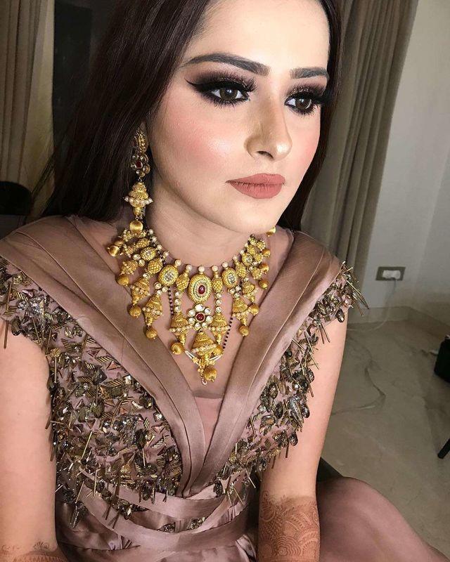 Leena Bhushan Bridal Makeup Off