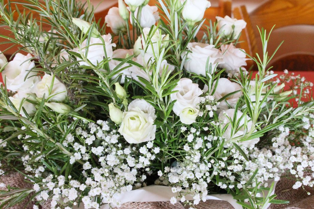 Like a Dream: allestimento con fiori ed erbe aromatiche