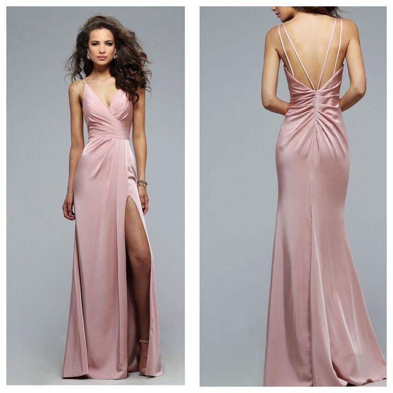 Galeria Dresses