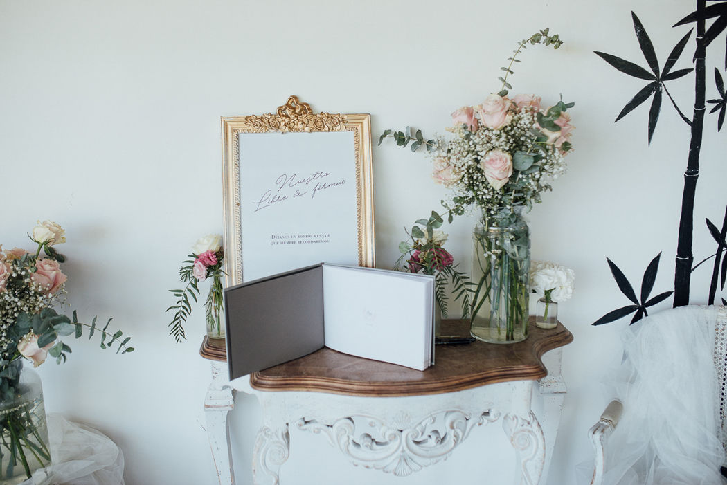 26 Moments · Wedding & event planners