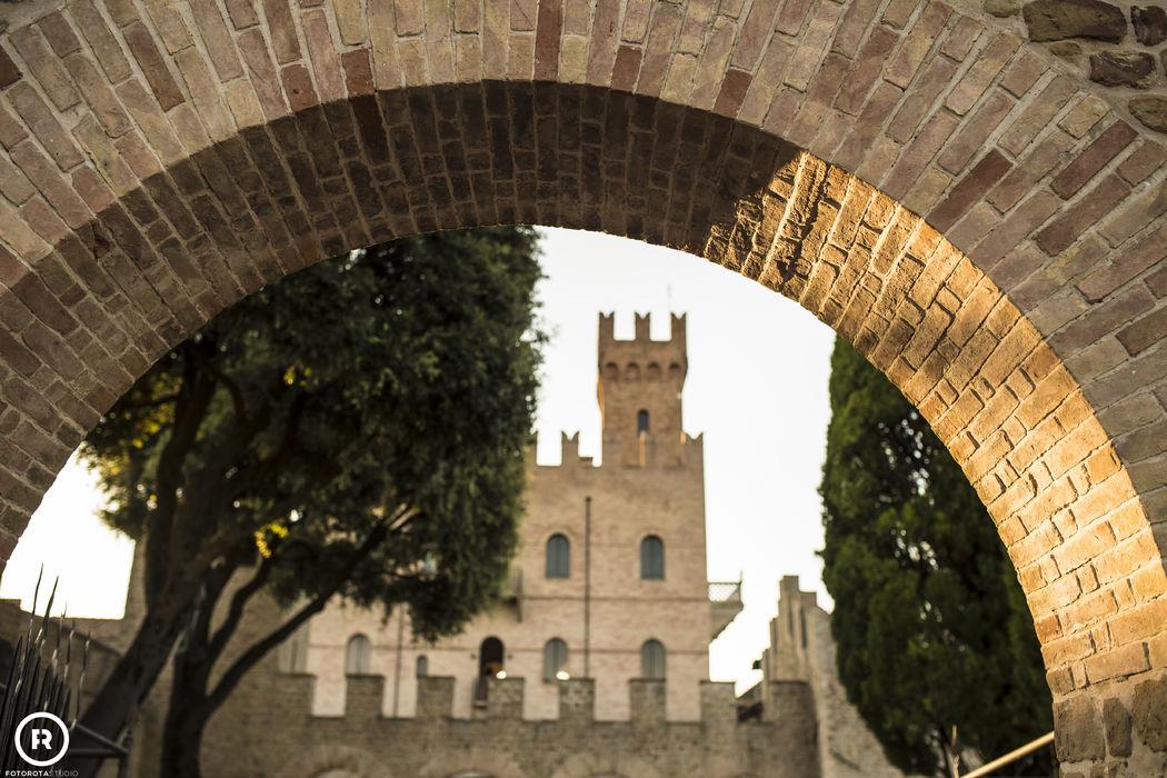 Locanda I Girasoli Matrimonio : Castello di tavoleto matrimonio
