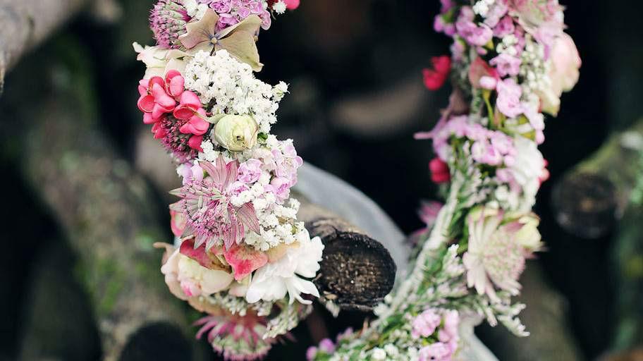 Beispiel: Blumenkranz aus Blumen in Pastelltönen, Foto: Blumen Isabella.