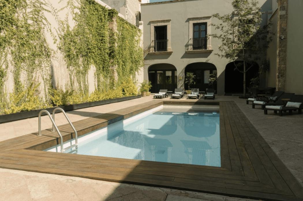 Mesón de Santa Rosa, Luxury Hotel