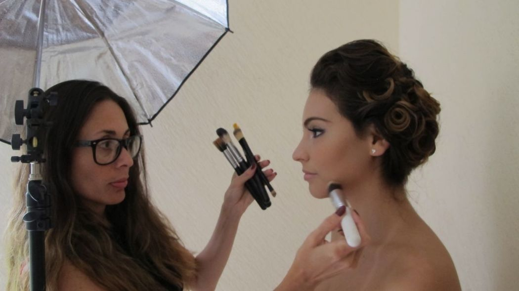 Mayra Apodaca Make Up