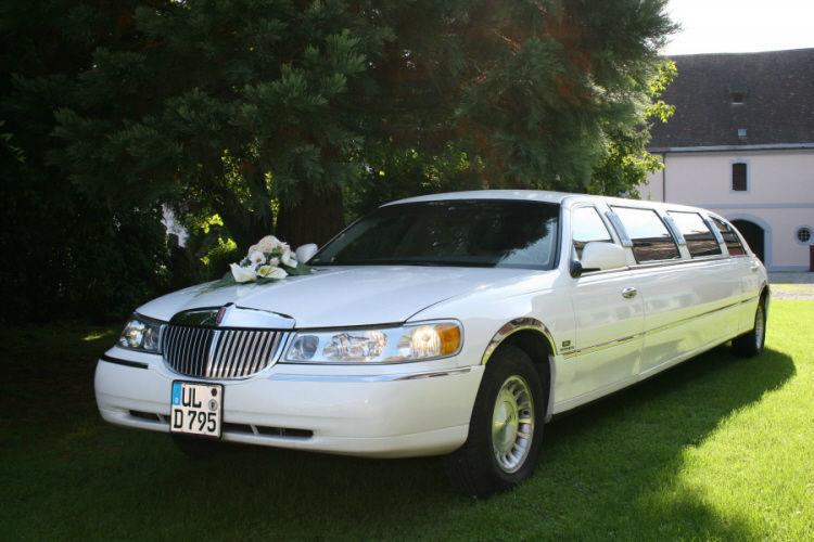 Beispiel: Ihre Hochzeitslimousine, Foto: Limousinen Service Ulm.