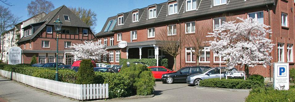 Beispiel: Außenansicht - Parkplätze, Foto: Hotel Landgut Horn.