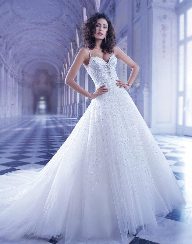 Beispiel: Brautkleider, Foto: Mode Wicky.
