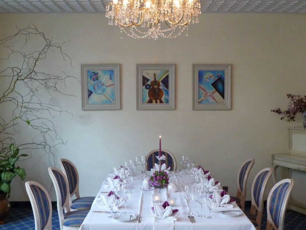 Beispiel: Restaurant Blauer Saal, Foto: AKZENT Hotel Altdorfer Hof.