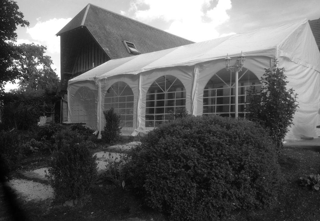 Terrasse avec barnum