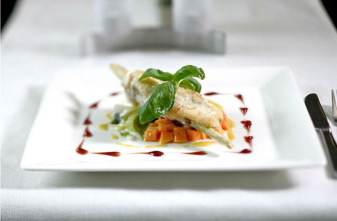 Beispiel: Leckere Gerichte für Ihr Hochzeitsfest, Foto: Magellan.