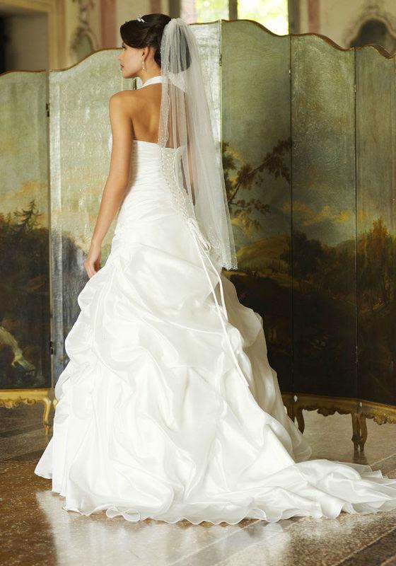 Beispiel: Atemberaubend schöne Kleider, Foto: Tessa & Thomi.