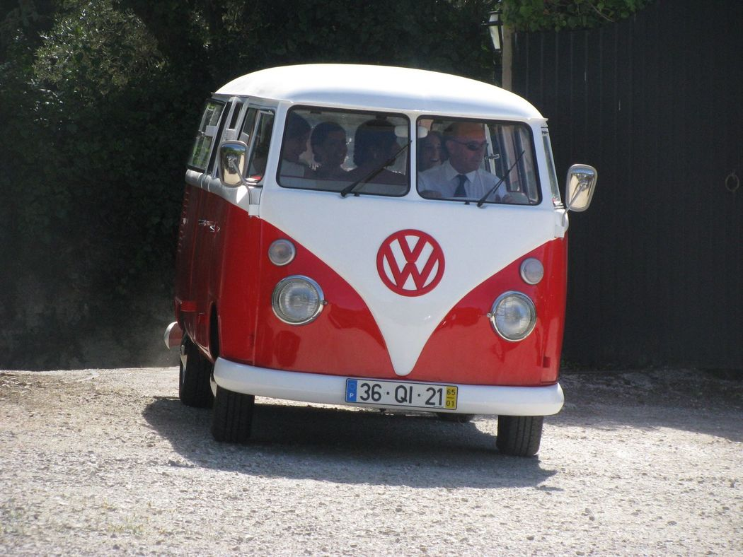 Van WV para a Noiva e Madrinha