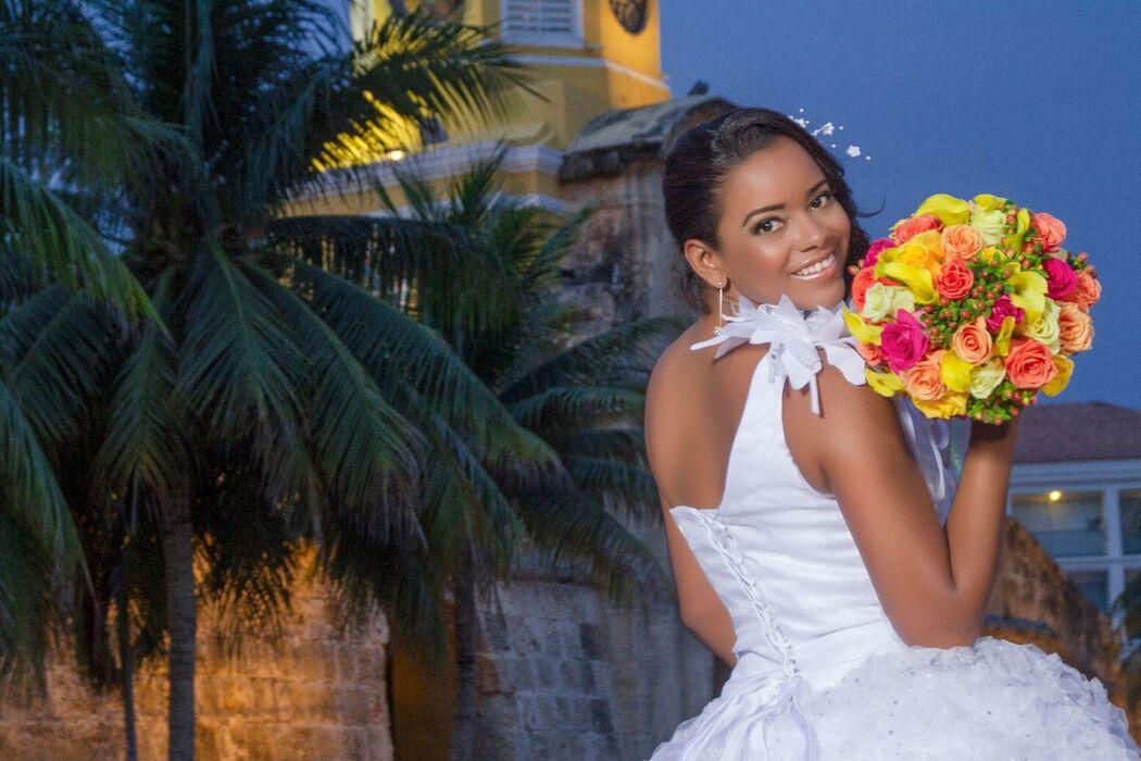 Boda Sandy y Tony Club de Oficiales Cartagena de Indias www.raymartinezmp.com Maquillaje y peinado  www.sandyfranco.com