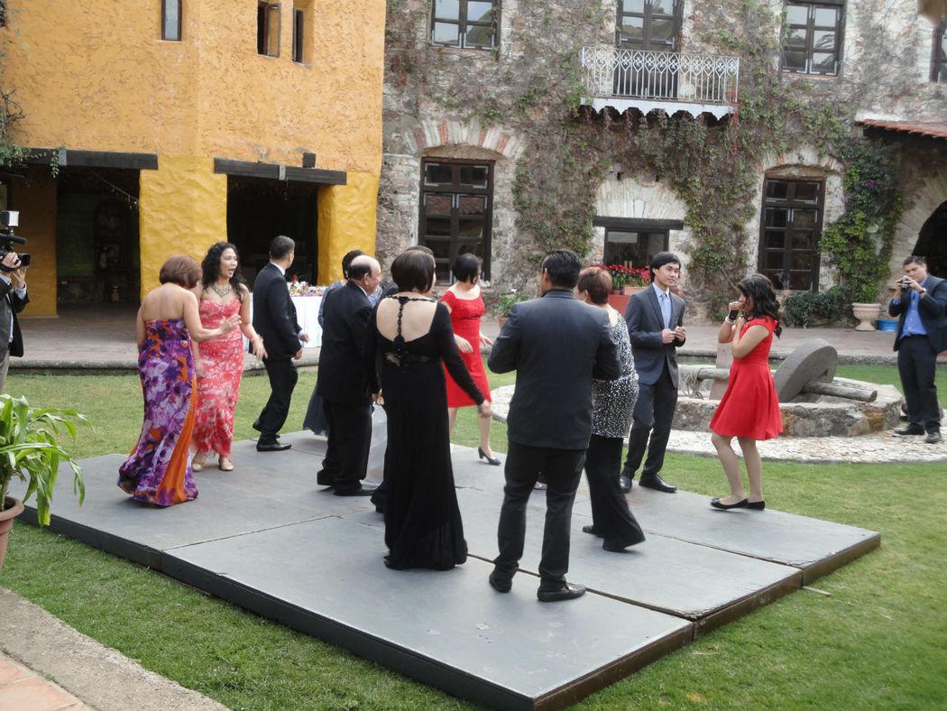Bailando al estilo de Filipinas. Boca Mina San Ramon, Guanajuato DJ Boda