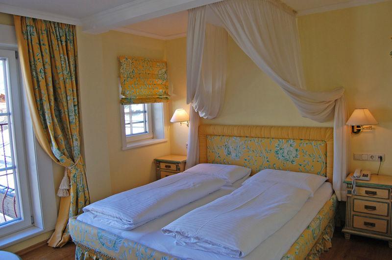 Beispiel: Traumhafte Hotelzimmer, Foto: Wedding Hotel Heitzmann.