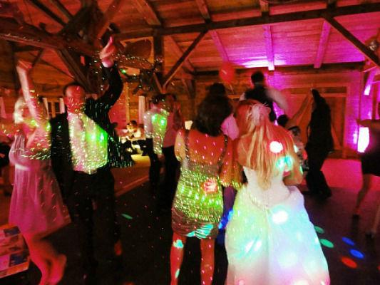 Beispiel: Hochzeitsgesellschaft,  Foto: DJ Hoasi.