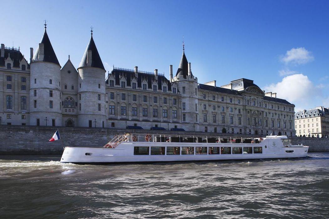 Yacht Victoria