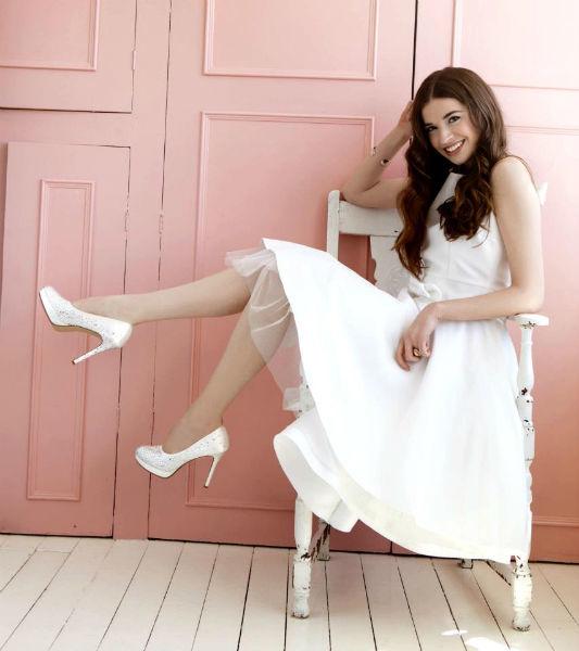 Beispiel: Schuhe zum Wohlfühlen für die Braut, Foto: Elsa Coloured Shoes.