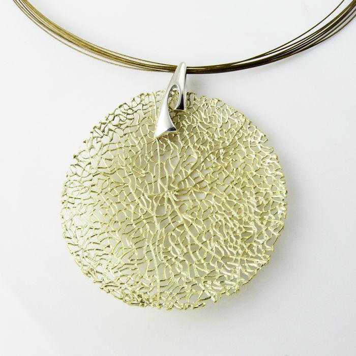 Gargantilla Selene·M en plata de ley bañada en oro
