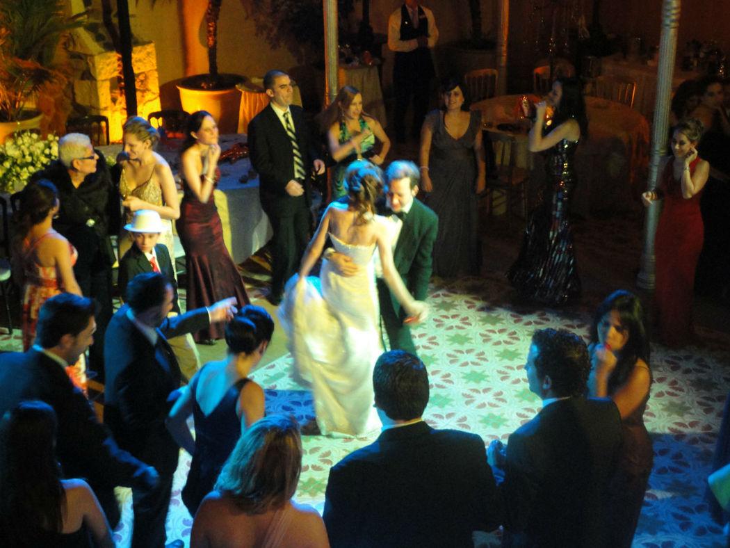 Que no paren de bailar los novios. Dj Boda Guanajuato, Hotel Guanajuato