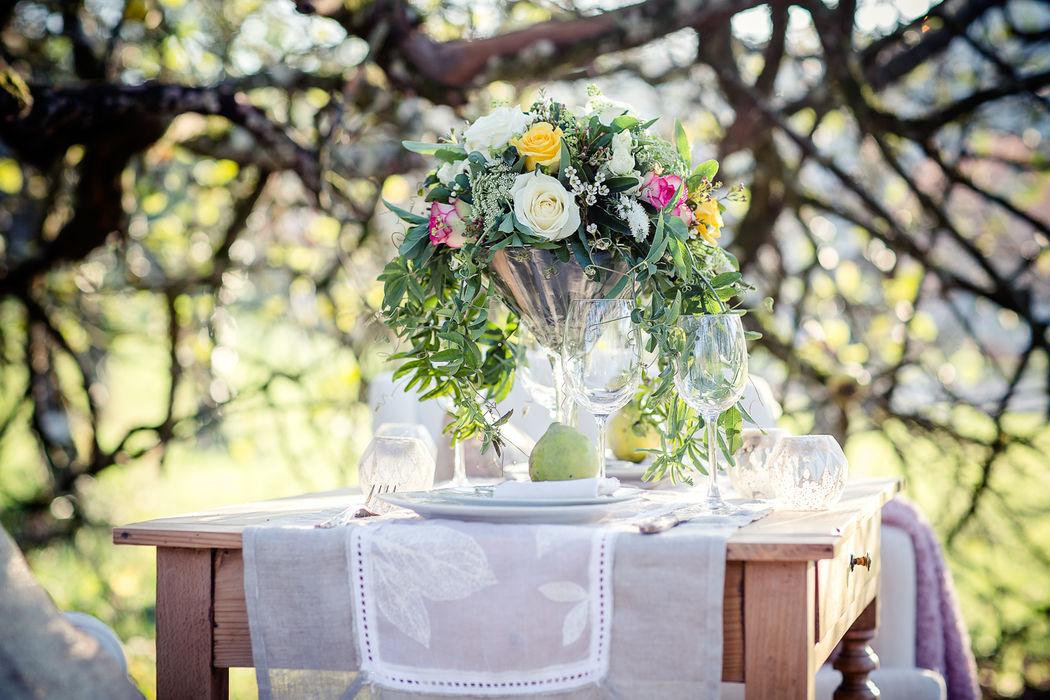 Au Jardin d'Egly - centre de table bohème chic vase martini