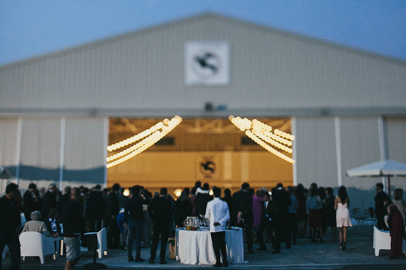 Hangar wedding, l'ingresso in