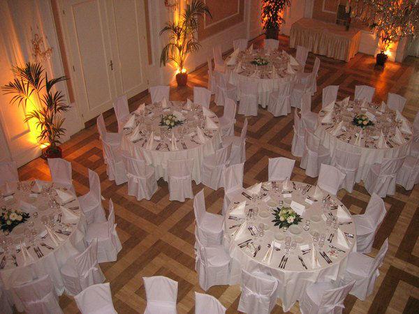 Beispiel: Hochzeitsgedeck, Foto: Kursalon Wien.