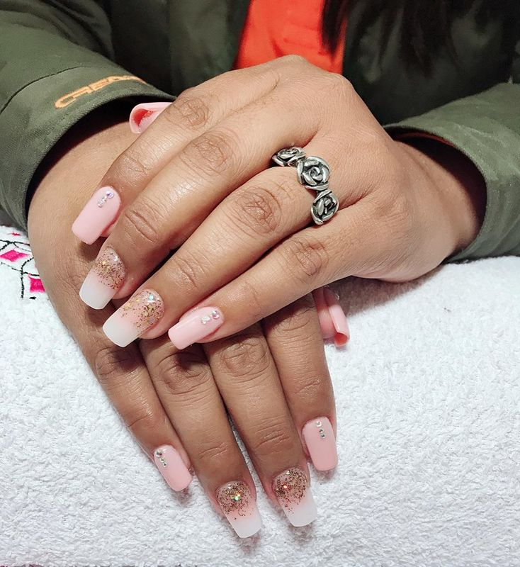 Paely Nails