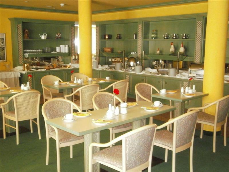 Beispiel: Frühstücksbuffet, Foto: Schlosshotel Breitenfeld.