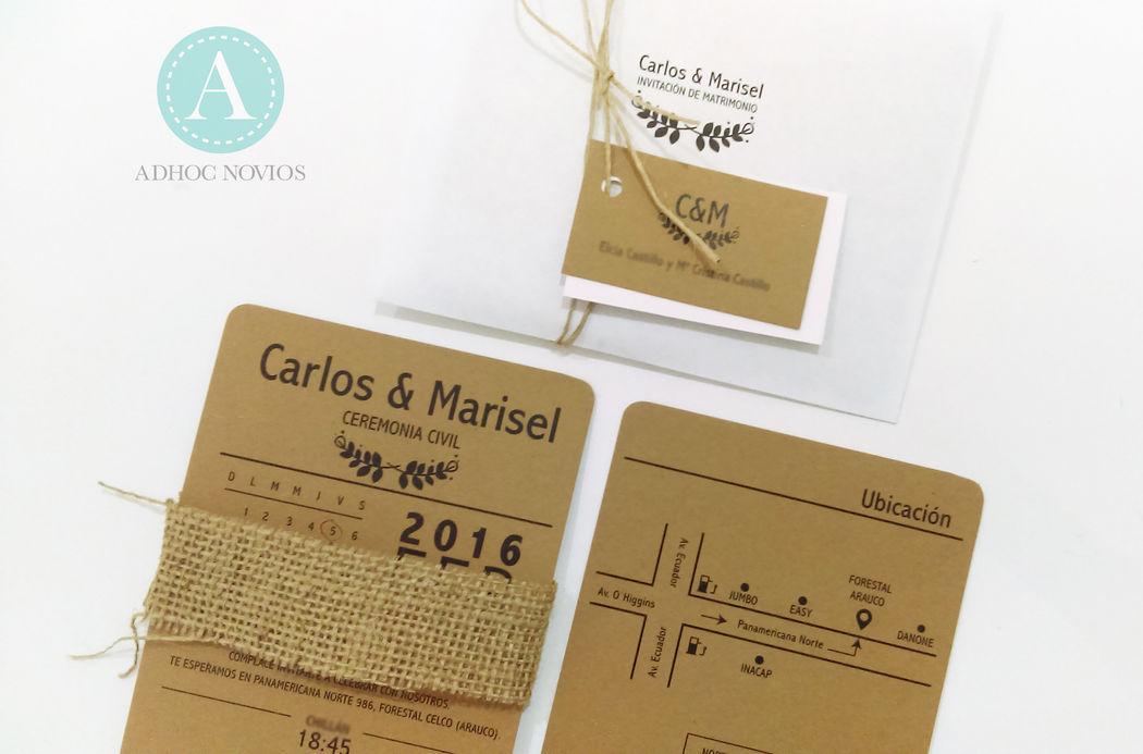 Invitación Rústica con material reciclado, pita de cáñamo natural y etiquetas.
