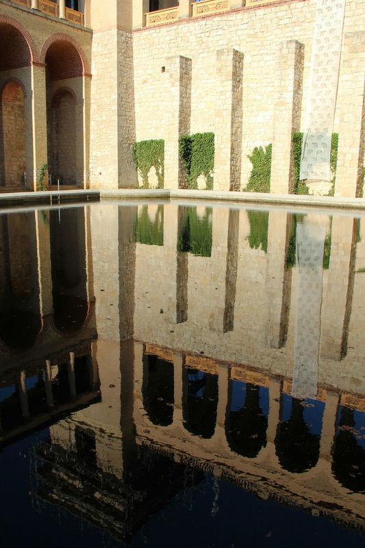 Innenhof mit Spiegelung. © SPSG, Förderverein Pfingstberg