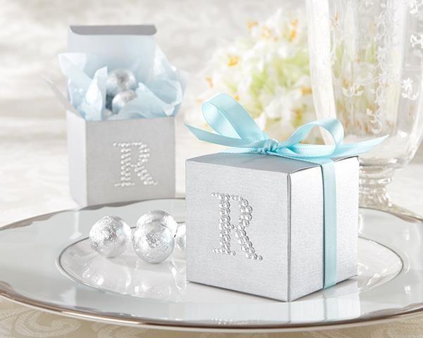 Elegantes cajas con iniciales de pedrería..para llenar como quieras