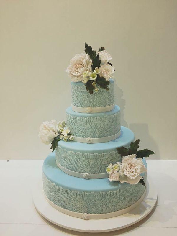 Wedding Cake bleue et roses en sucre