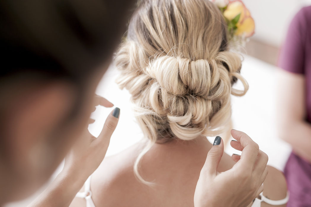 Dani Espinosa  Hairstylist