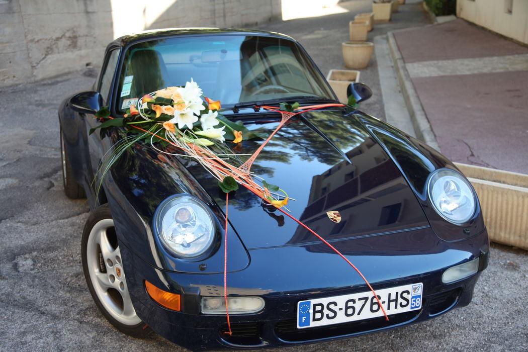 L'atelier de Sellyn décoration de voiture corail et blanc Porsche noir (Cassis)