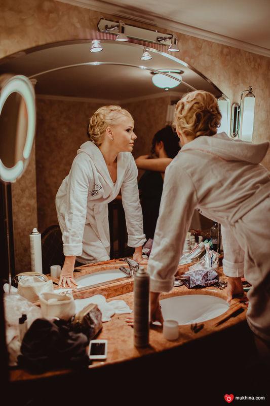 Анна. вдохновило меня на прическу превосходное платье невесты