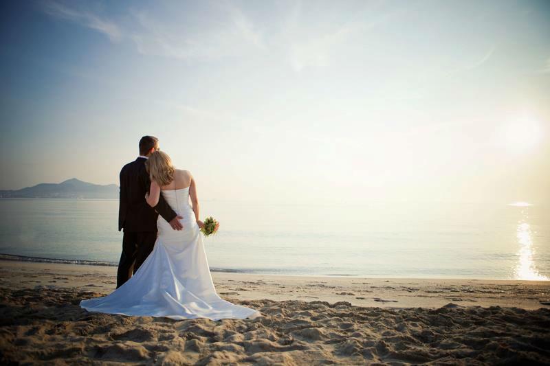 Beispiel: Romantische Hochzeitsfotos, Foto: Romeoplusjuliet Photography.