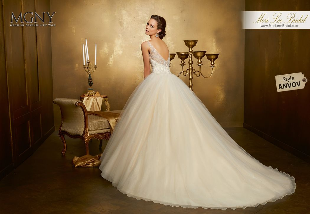 Style ANVOV Opaline  Intricately beaded bodice on a tulle ball gown over sparkle tulle