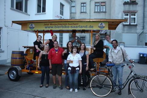 Beispiel: Gruppe unterwegs mit dem BierBike, Foto: BierBike Saarland.