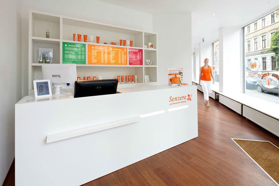 Beispiel: Willkommen im Waxingstudio, Foto: Senzera - professional waxing.