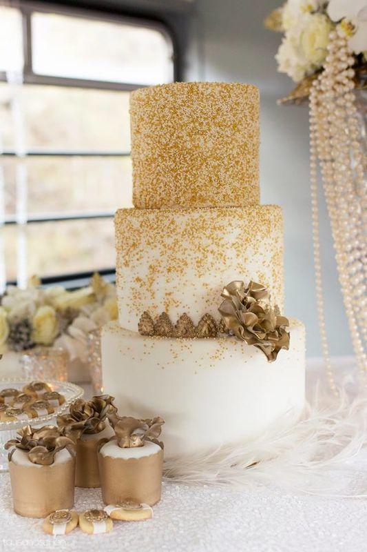 Beispiel: Hochzeitstorte,  Foto: shopandmarry.