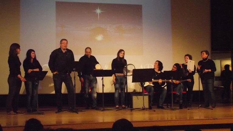 Actuando en el Festival de Navidad.