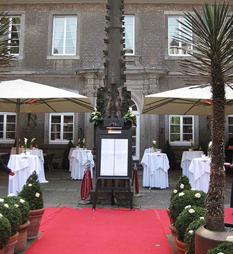 Beispiel: Organisation des Stehempfangs, Foto: Hochzeitstraum.