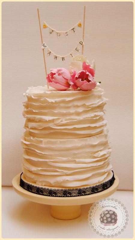 Ruffles&Tulips wedding cake