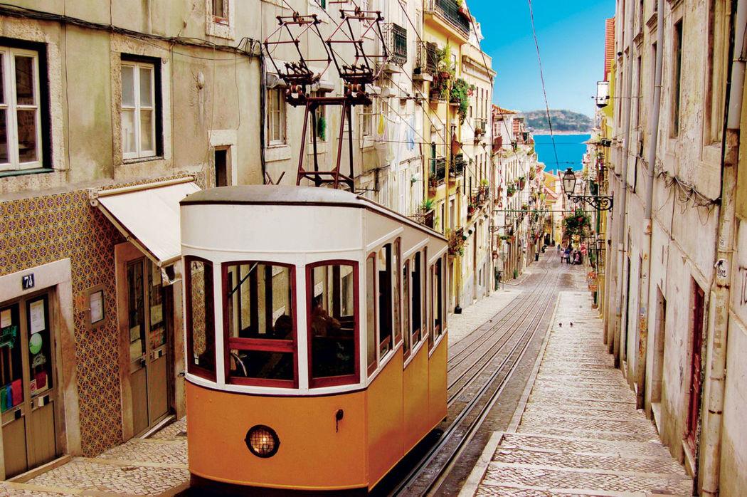 Emoovio : Découvrez Lisbonne de jour comme de nuit pour un enterrement de vie de célibataire réussi