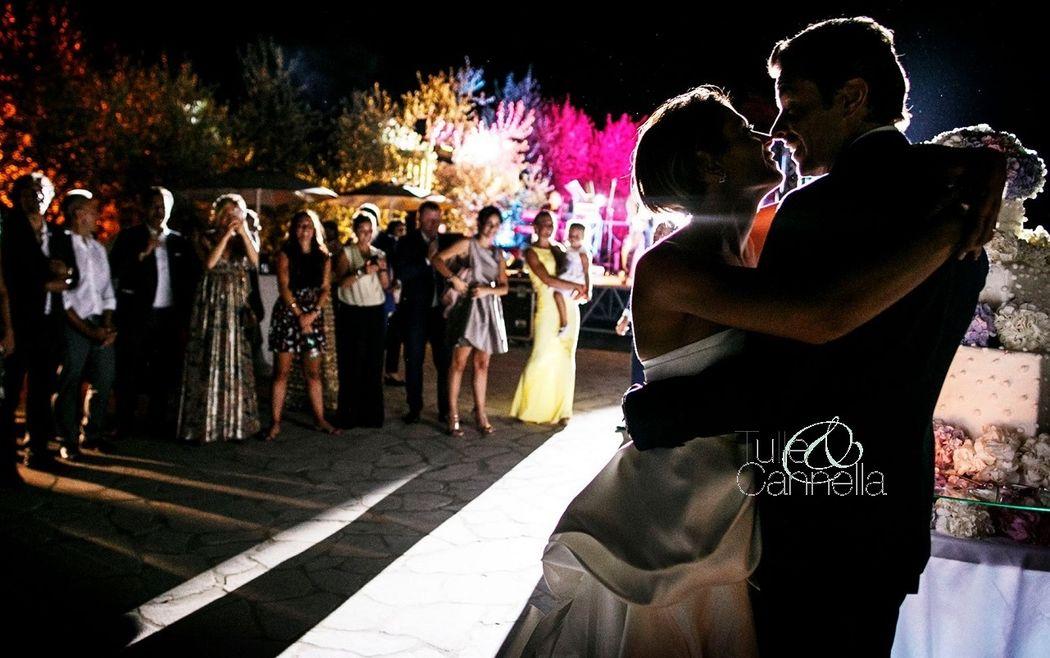 Matrimonio Aquapetra Meraviglioso Taglio Torta