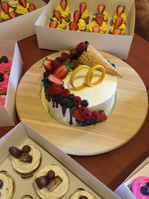 Свадебный торт и 60 капейков