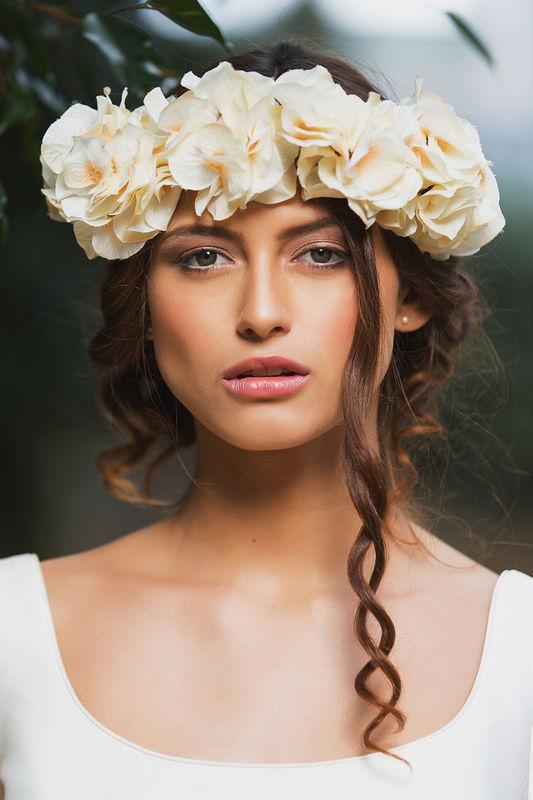 Corona de hortensias de tela.