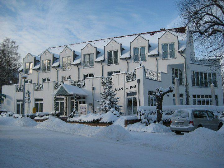 Beispiel: Außenansicht Winter, Foto: AKZENT Hotel Zur Post.