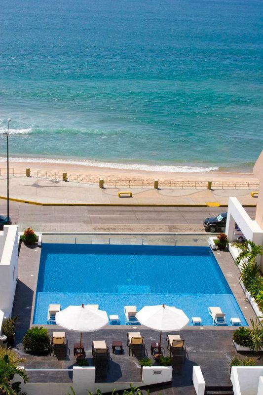 Hotel Coral Island